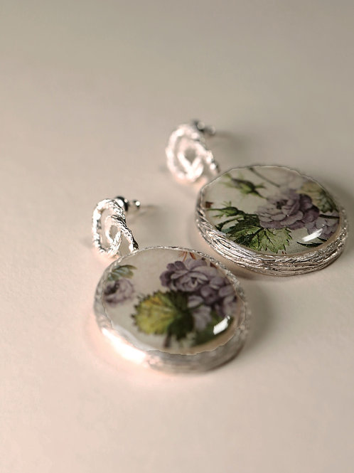 Hoop Chain with Floral Frame Clip Earrings