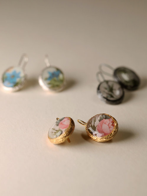 Floral Frame Earrings / Small