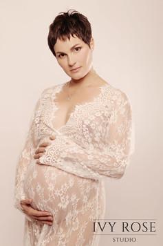 Maternity-photoshoot-Manchester-Ivy-Rose