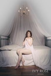 Vintage-boudoir-photography--Ivy-Rose-St