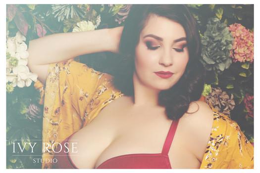 Ivy-Rose-Studio--Boudoir-photoshoot.jpg