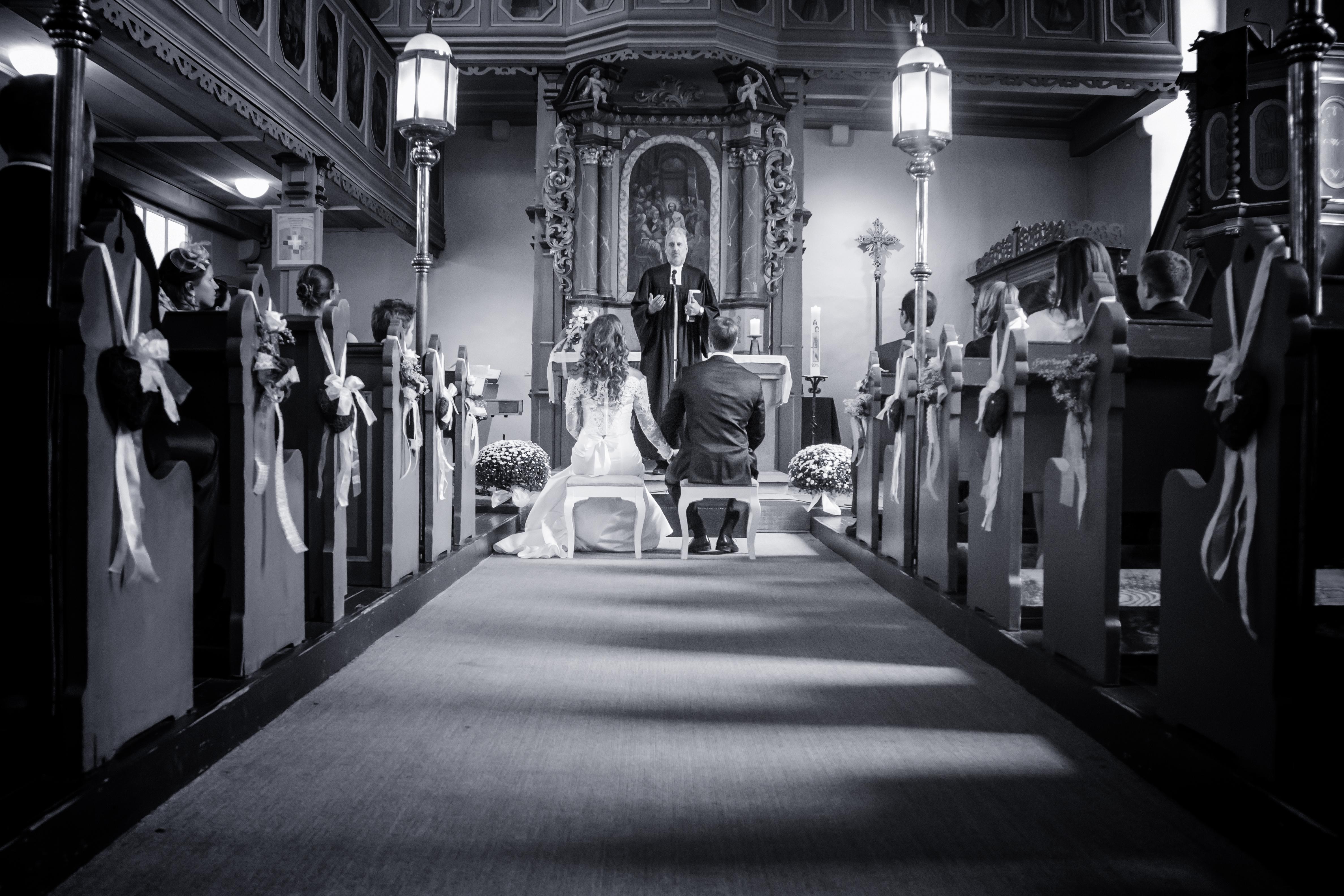 Hochzeit Kirche Brautpaar