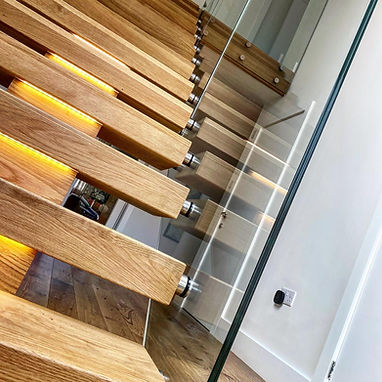 Oxfordshire framless glass balustrades.j