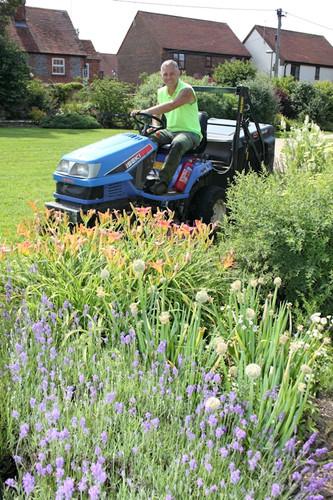 Wayne lawn mowing in Watlington