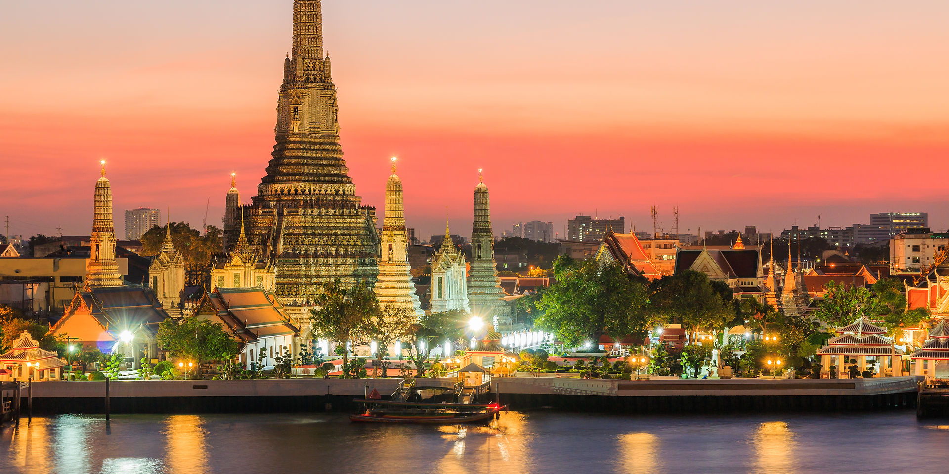 Bankok,Thailand.Wat Arun temple at sunse