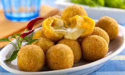 receita-bolinha-milho-queijo