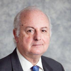 Dr Roger Hayes
