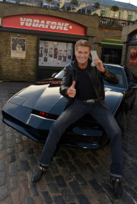 David Hasselhoff & KITT reunited with Hasselhoff's first mobile, the Motorola 8000X sold by Vodafone in 1985