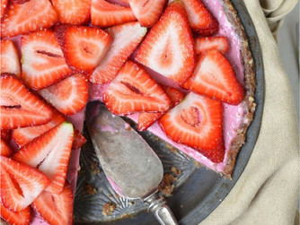 How to make a raw vegan strawberry Pie