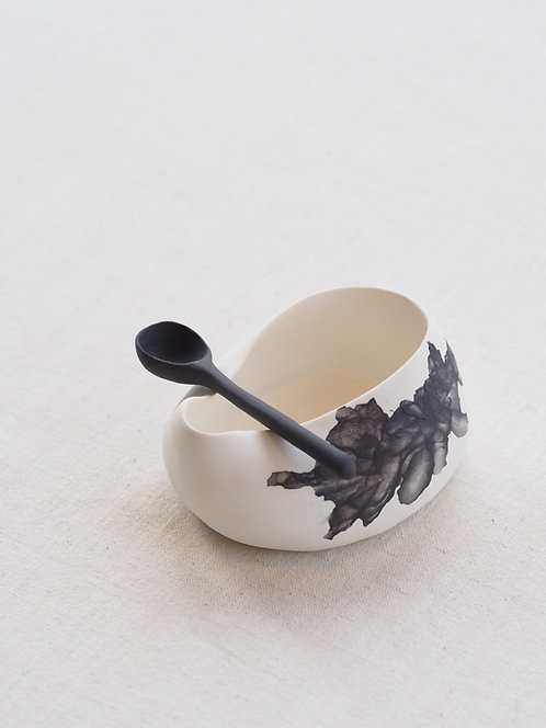 KOEMI | Porcelain sugar bowl with spoon