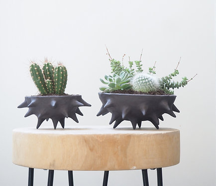 ONYX   Stoneware planter