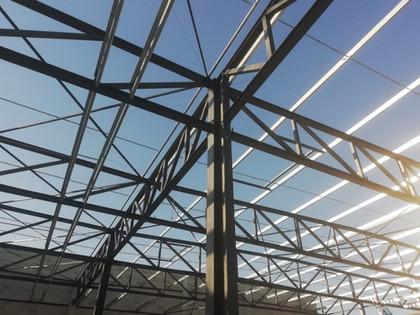 hangar-metallique