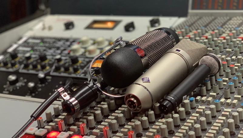 Beautiful sounding microphones Neumann U87, AEA R84, Beyerdynamic