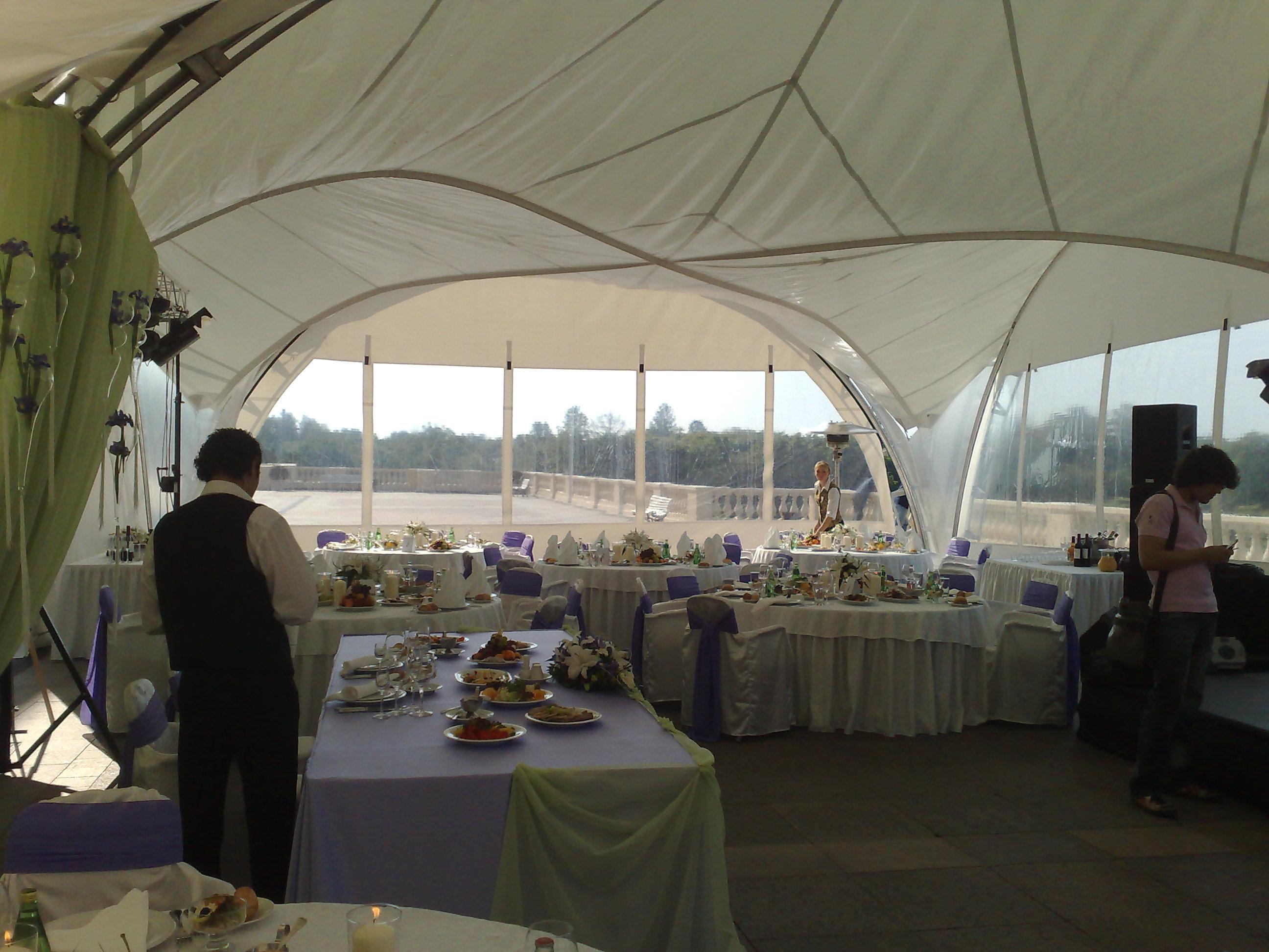 Пятиугольный арочный шатер внутри