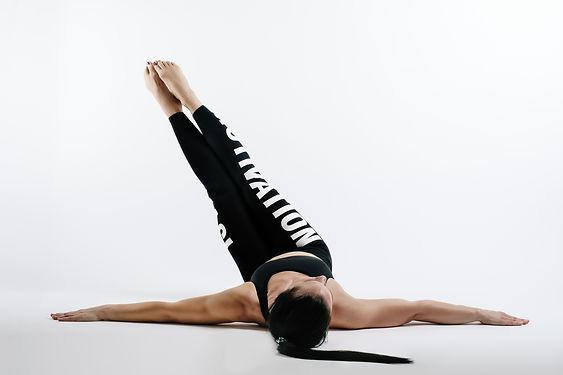 online_pilates_slings_flow_schweiz.jpg