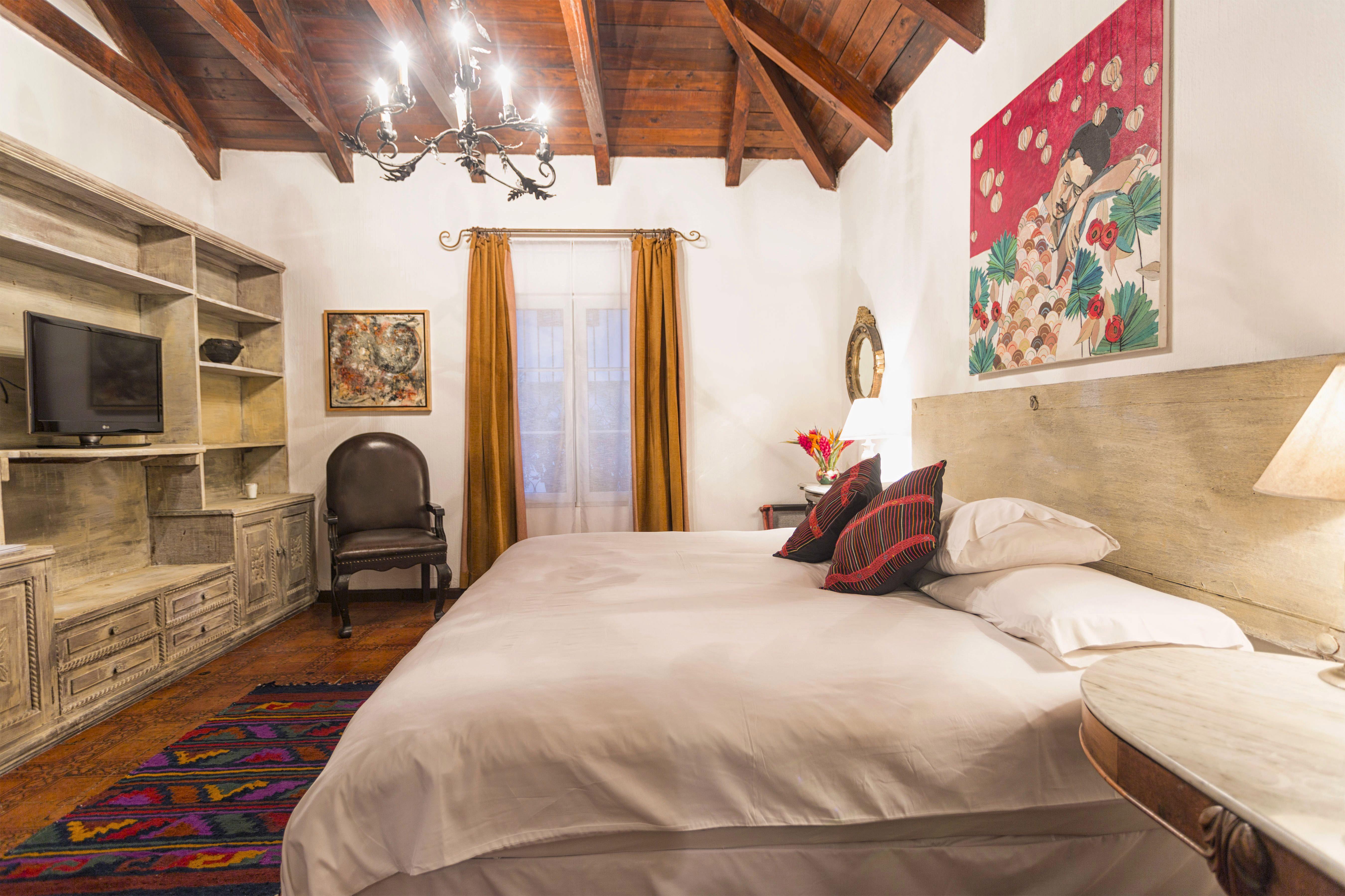 Room #2E Palo-Santo