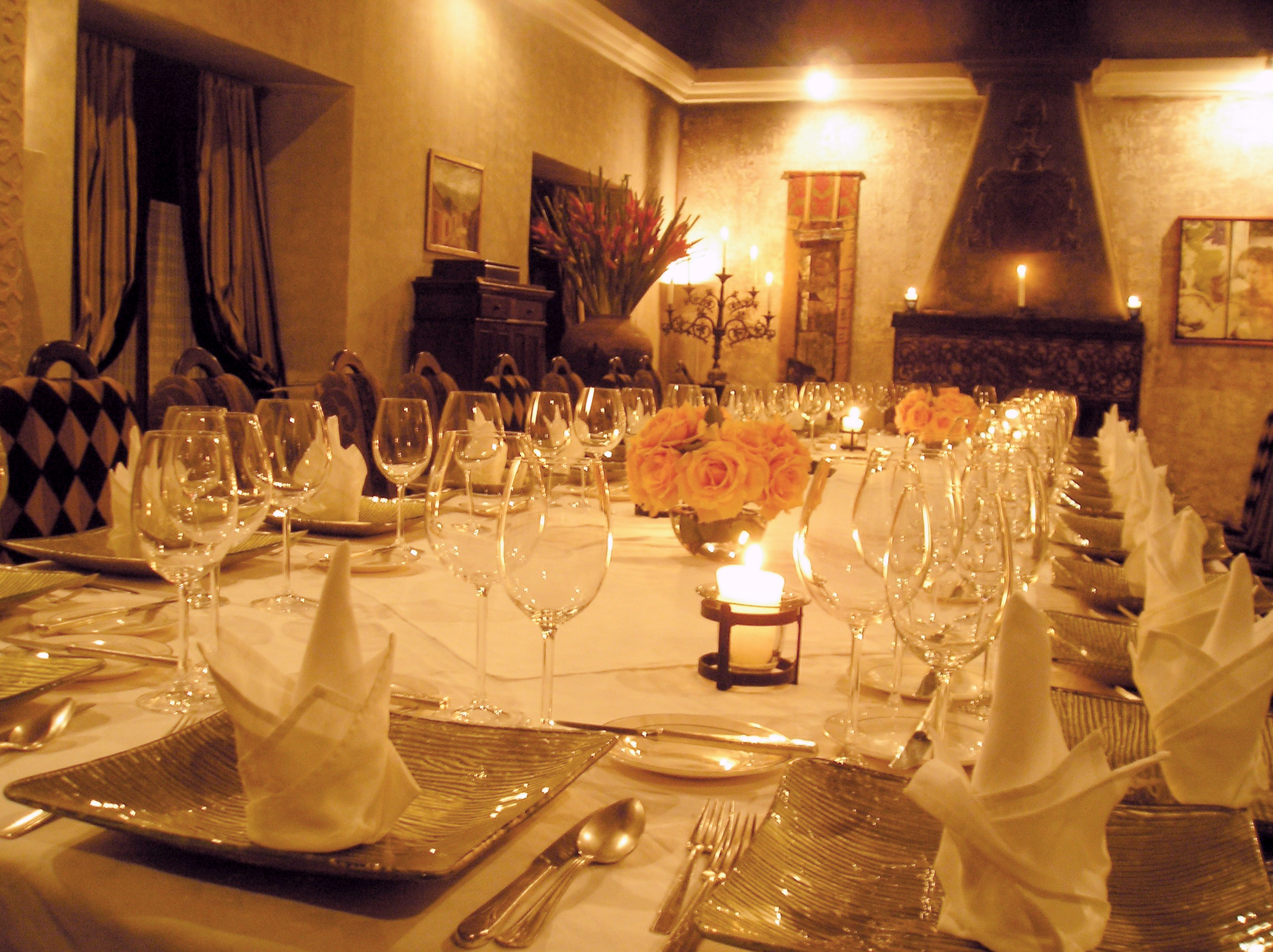 Adentro (Long table)