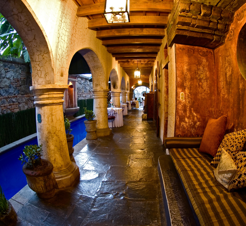 Meson Panza Verde Pool Corridor