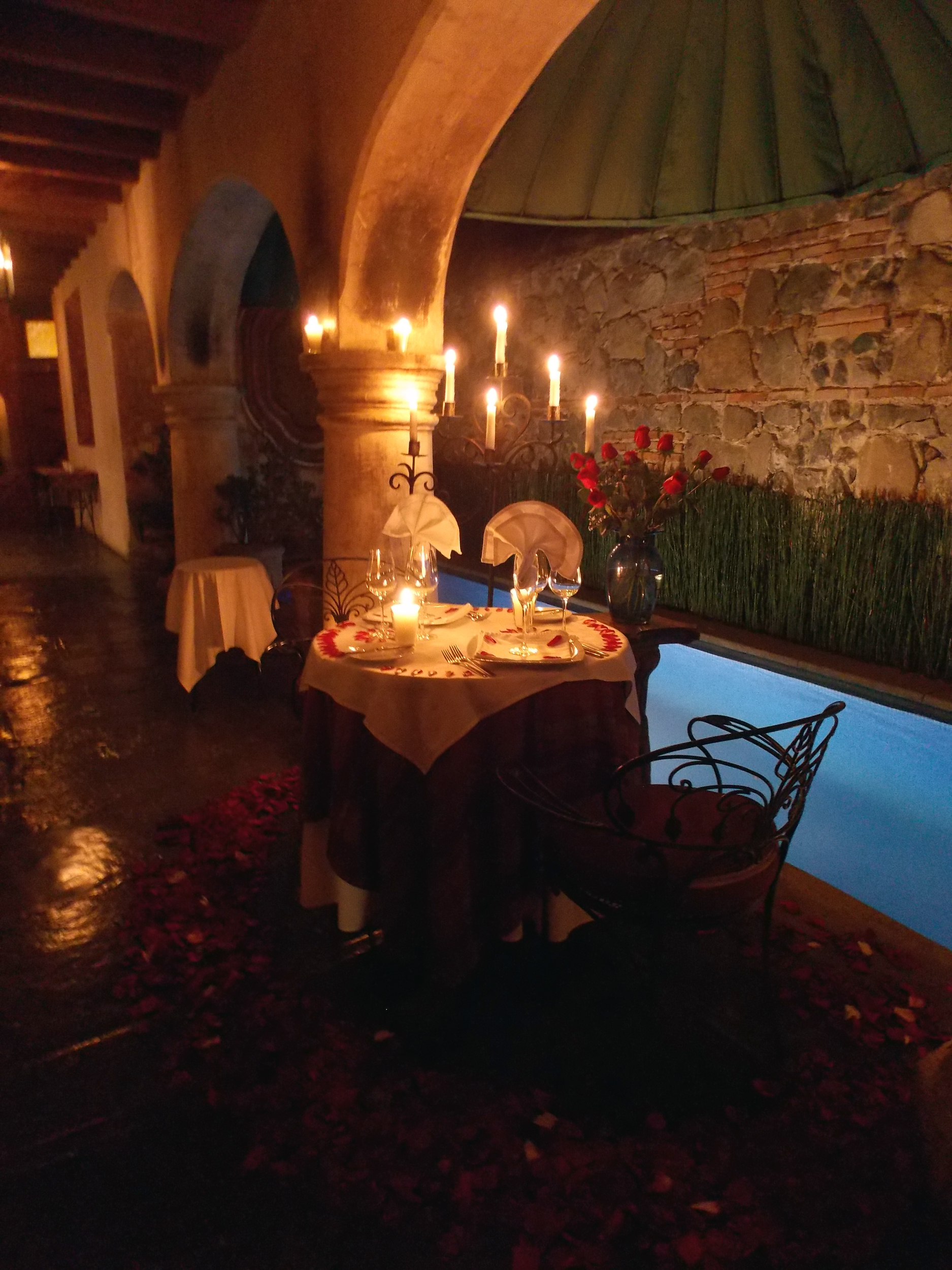 Romantic Dinner in La Cueva
