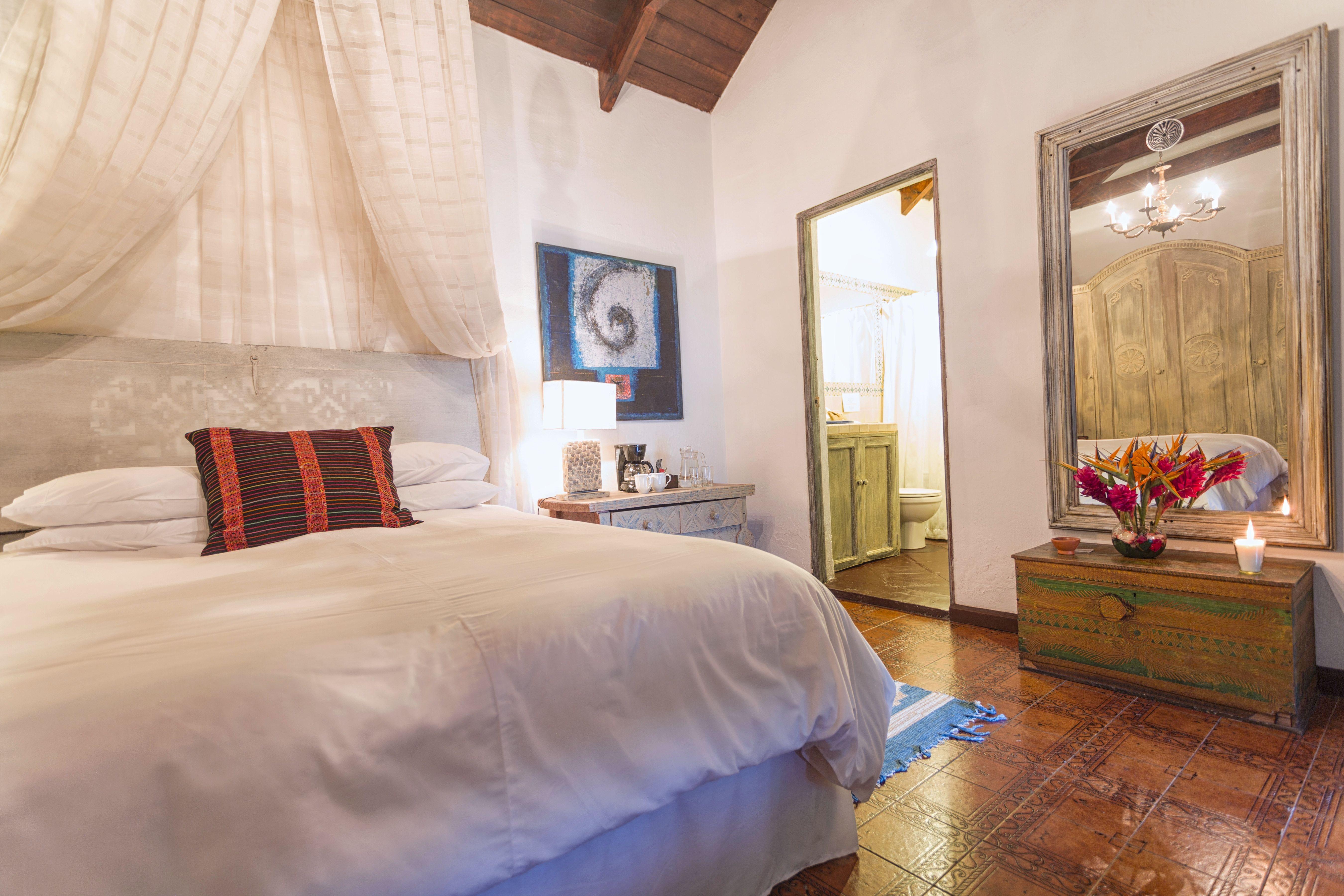 Room #3B Palo-Santo
