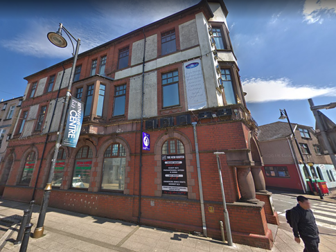 New Griffin Hotel  Street View 2.png