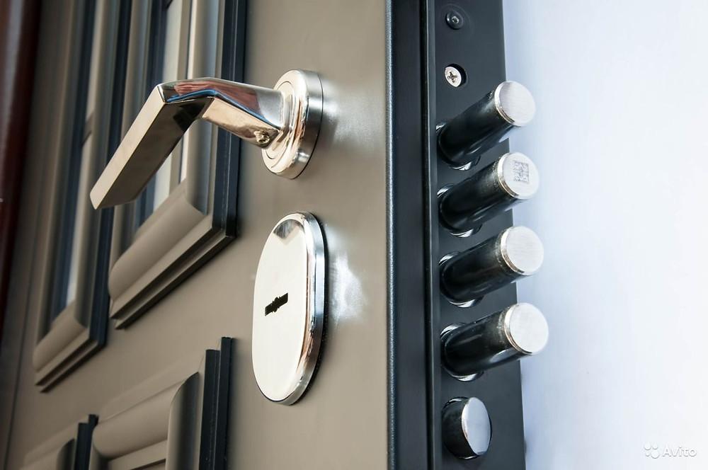 Каждый из приведенных видов двери идеально будет соответствовать Вашим потребностям. В ассортименте компании находятся исключительно качественные металлические двери. Интернет магазин гарантирует что каждое изделие будет иметь все необходимые сертификаты, обладать высоким качеством и низкой ценой