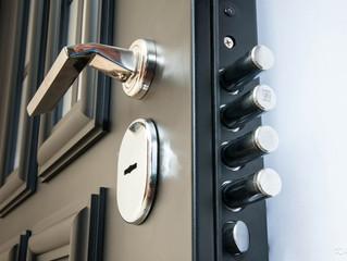 На что обратить внимание при покупке входной двери?