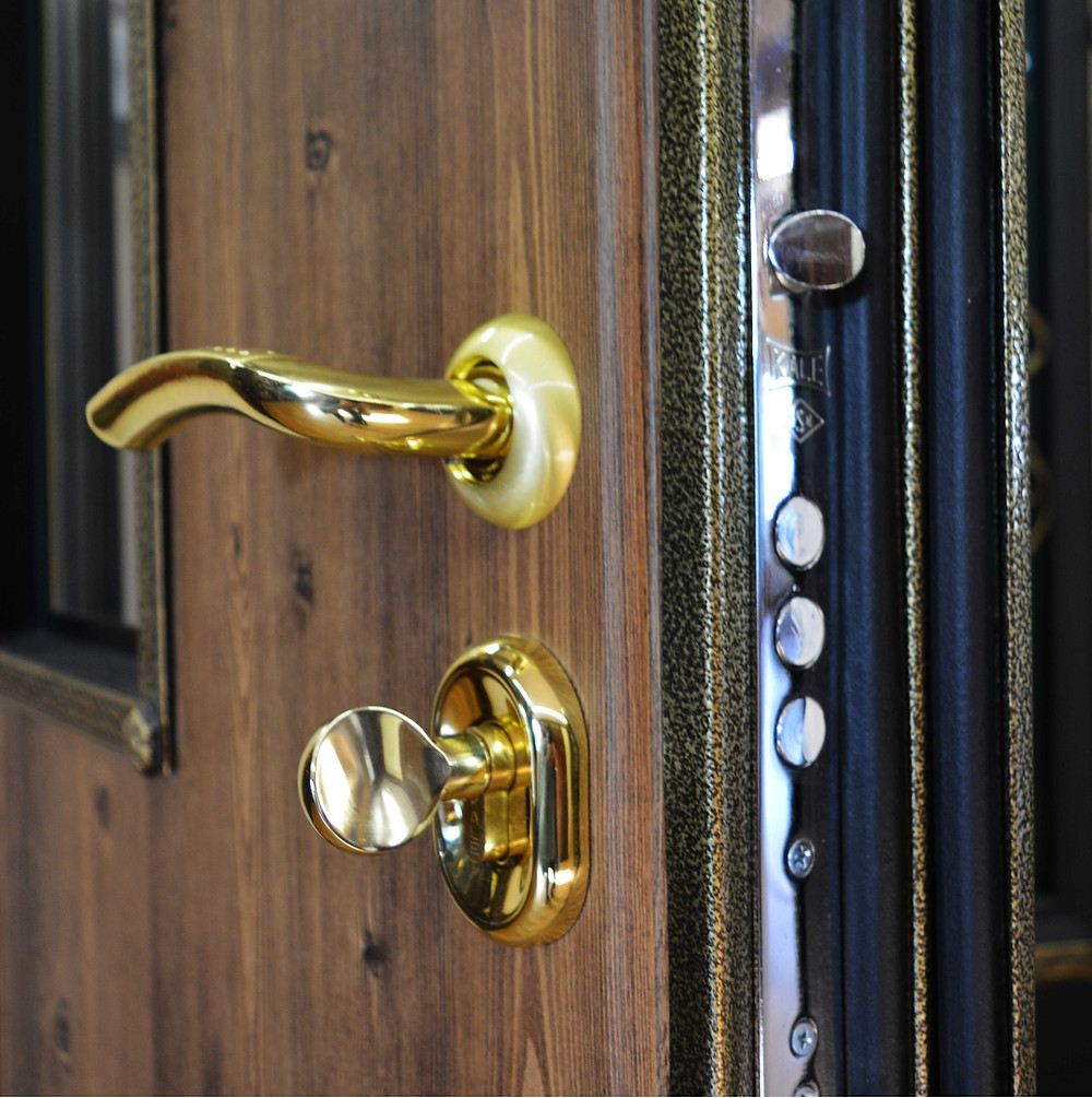 Элегантные двери в Коттедж