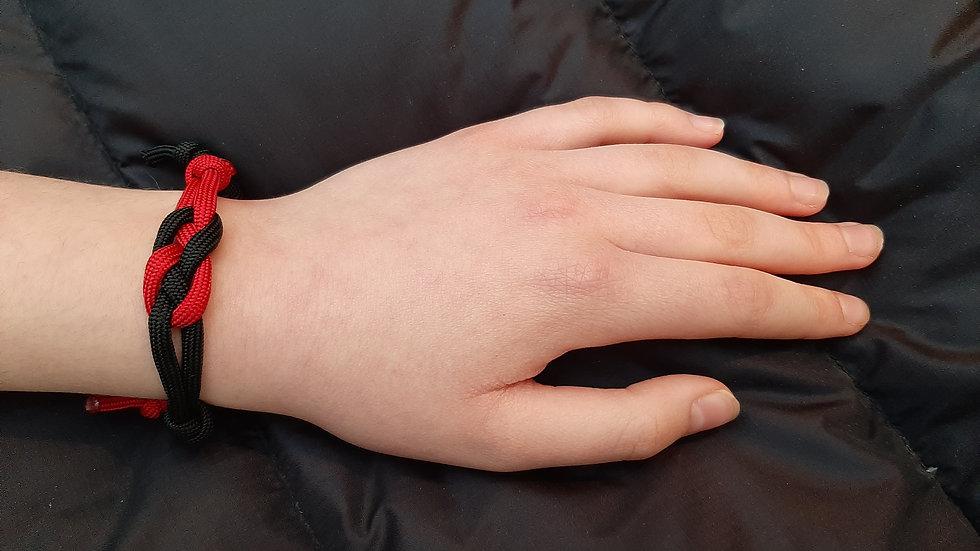 Paracord adjustable bracelet