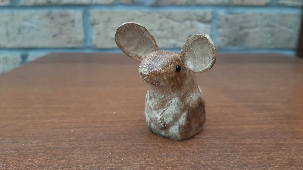 Oak Mouse with carved tail No3