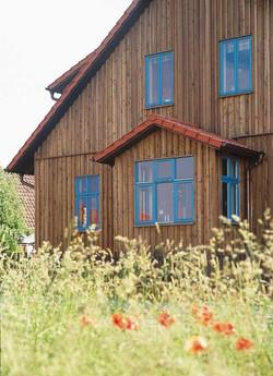 Sprossenfenster blau