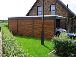Carport modern Design mit Lärche Rhombusleisten