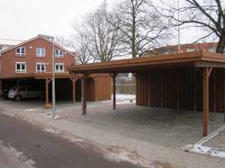 Carportanlage aus Doppelcarports für Wohnblock
