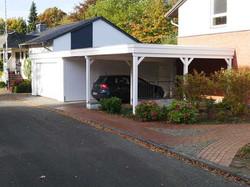 Carport mit Garage weiß aus Holz