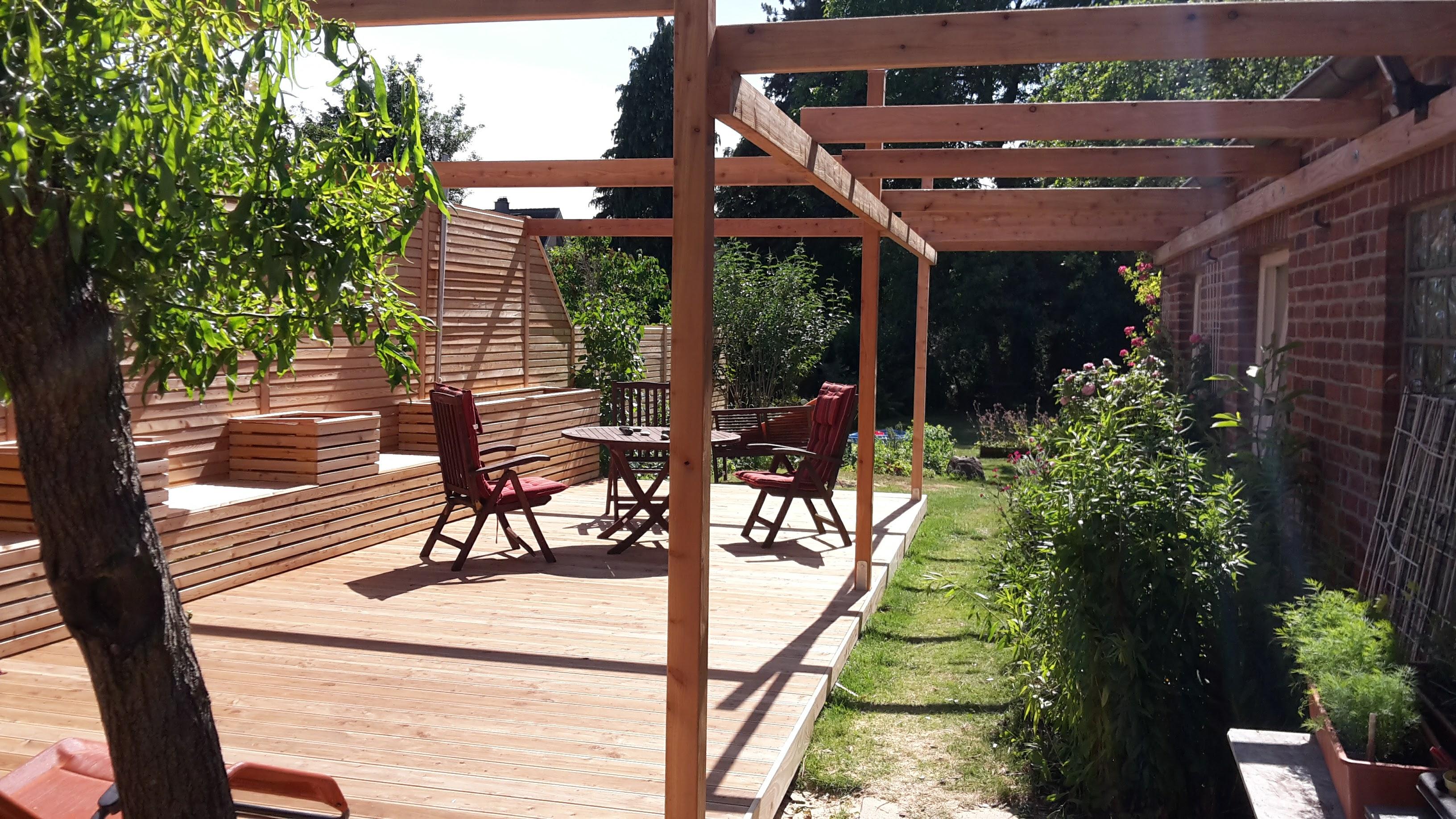 Terrasse Holz Pergola natur schön