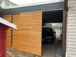 Carport modern mit Schiebetür