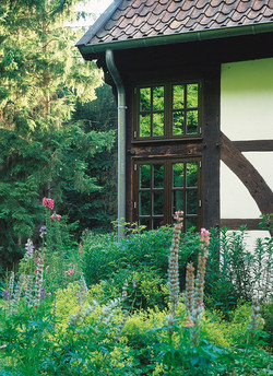 Sprossenfenster braun