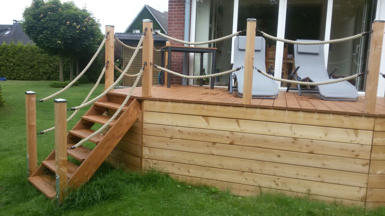 Terrasse mit Treppe sehr schön Lärche ge