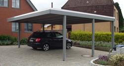 Carport modern grau gestrichen, Farbbehandlung ab Werk in Schleswig-Holstein