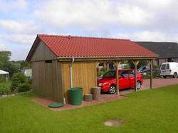 Carport Satteldach rot mit Geräteraum