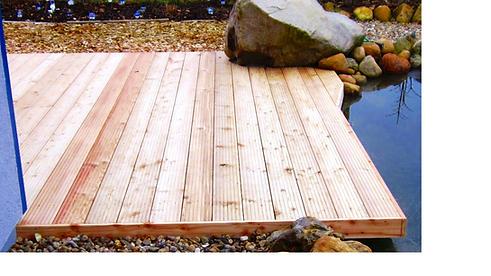 Lärche Terrasse am Teich bearbeitet.png