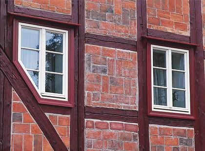 Schräges Sprossenfenster.jpg