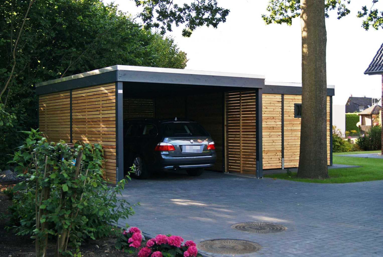 Carport im modernen Designmit Baum und B