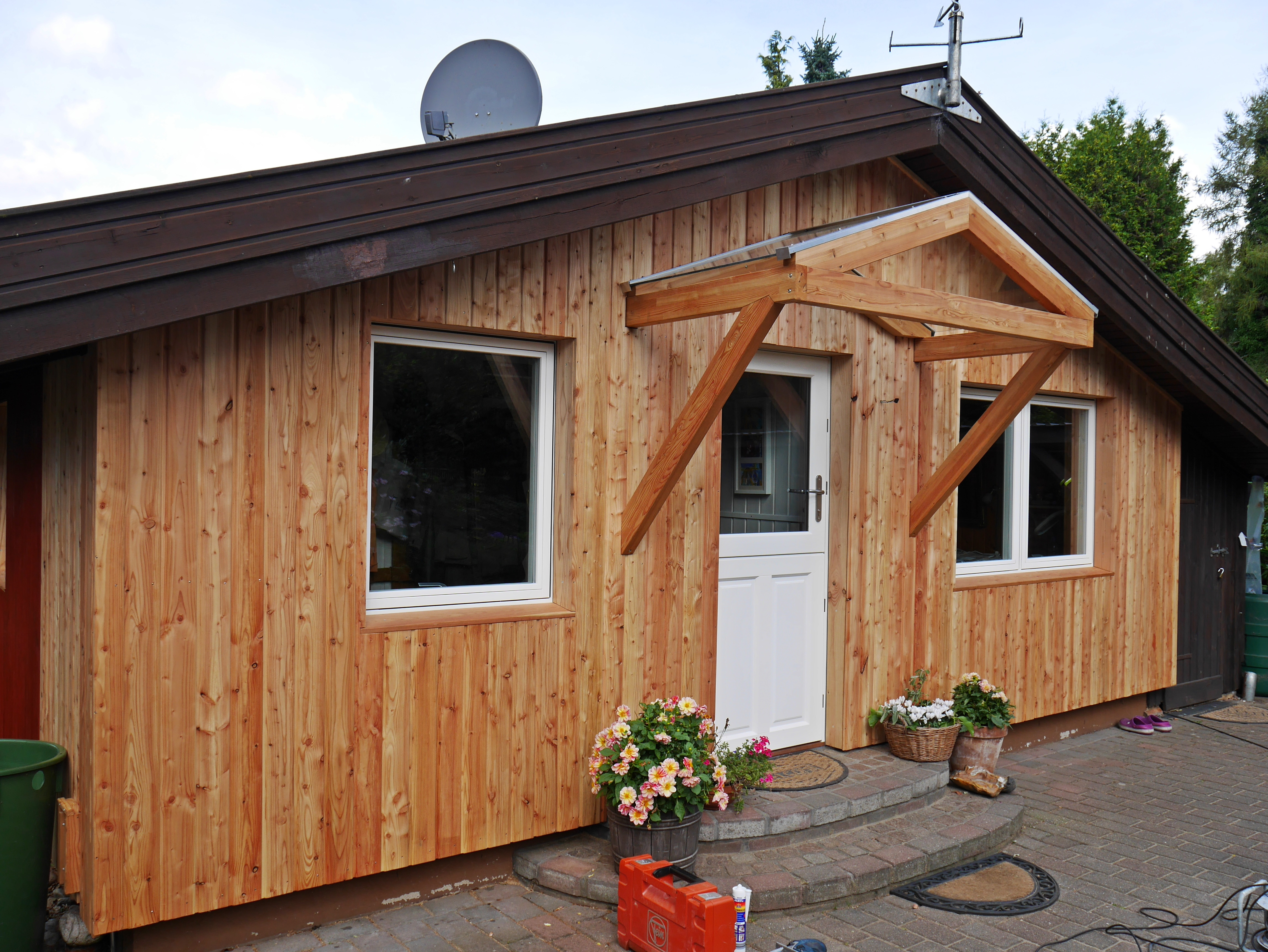 Vordach Holz Natur Haustür