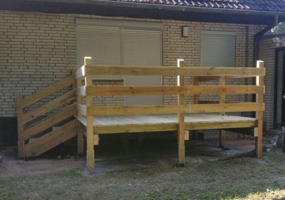 Terrasse Podest mit Geländer Holz Kiefer
