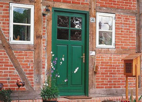 Haustür grün Sprossen.jpg