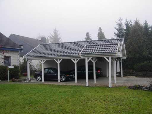 Carport weiß Satteldach mit Anbau seitlich
