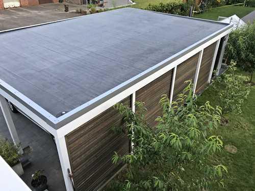 Carport modern braun weiß Rhombusprofil