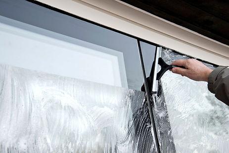 Svarre modernes Designfenster wartungsfr