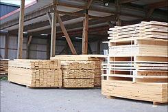Holzhandlung FREESE Holz Holzlager.jpg